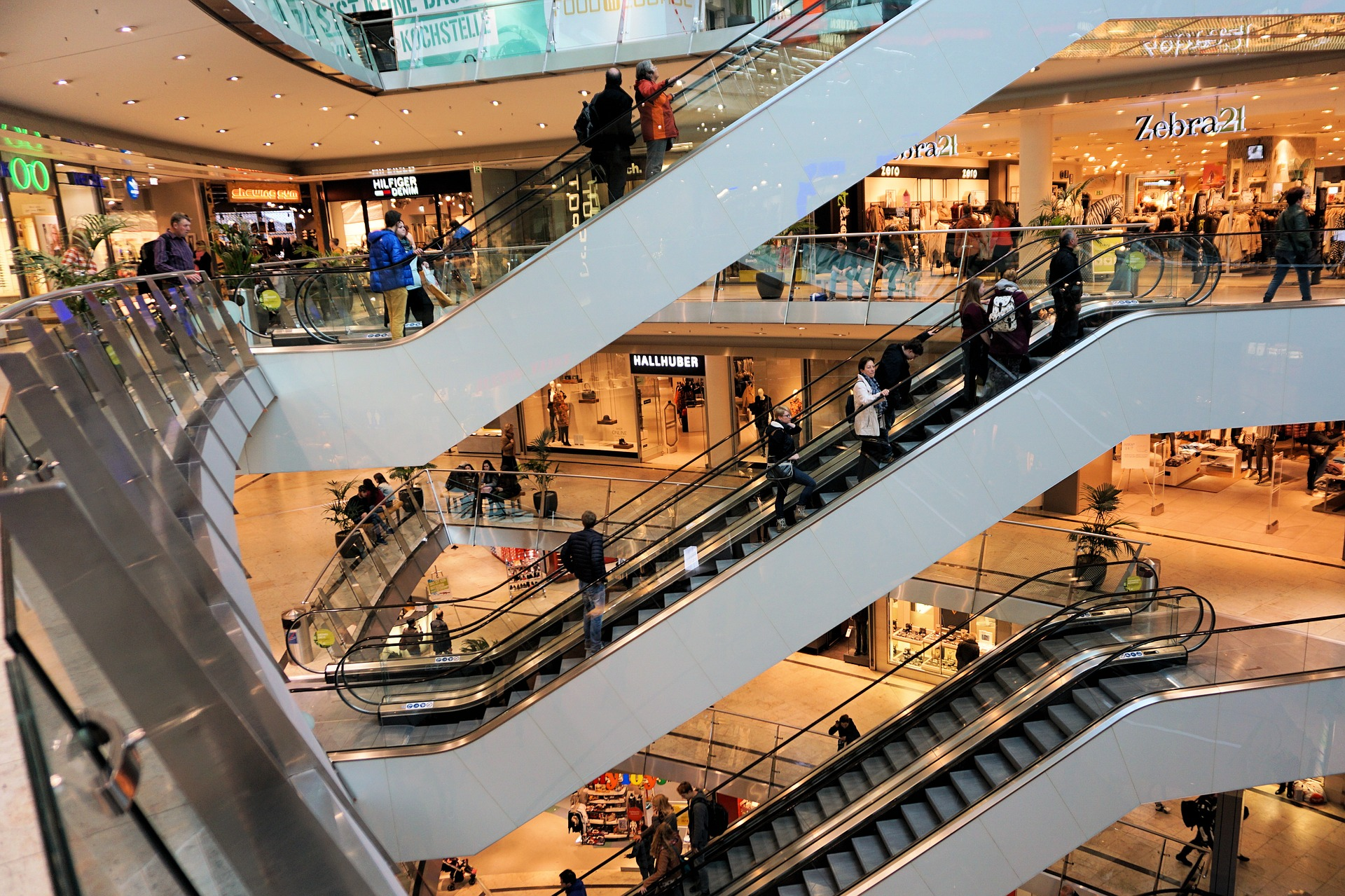 shopping-centre-1003650_1920
